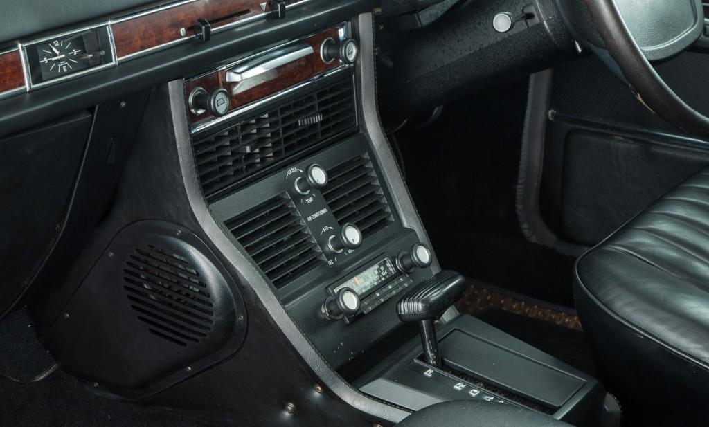 BMW E3 3.3LiA For Sale - Interior 4