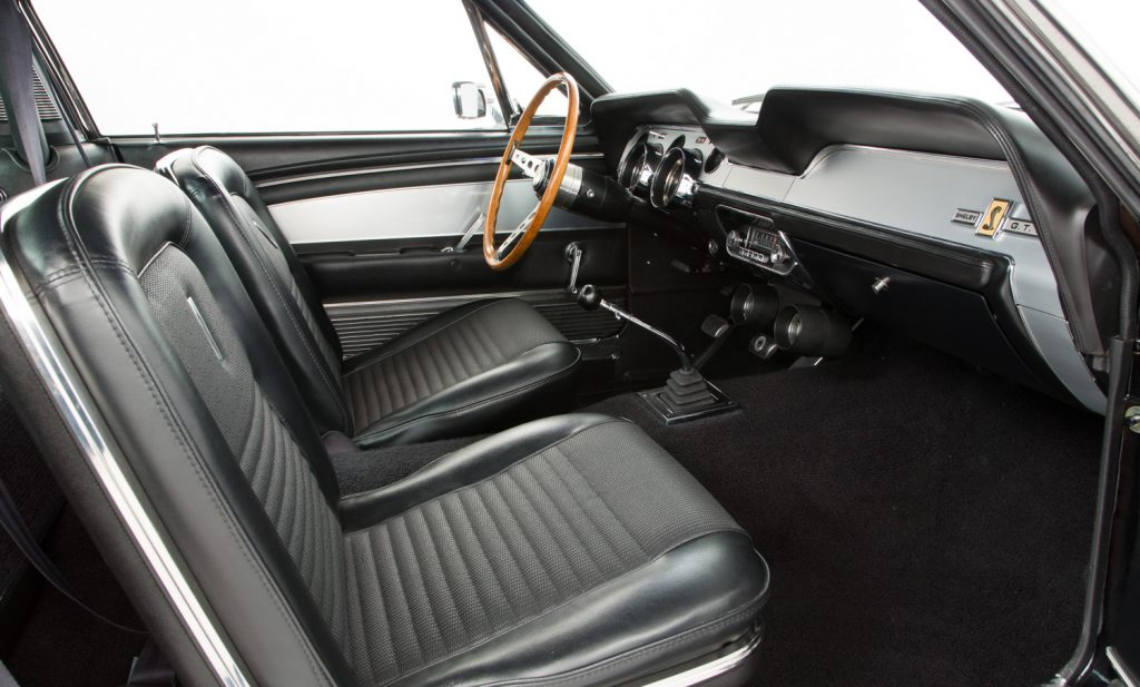 Shelby Mustang GT500 For Sale - Interior 4