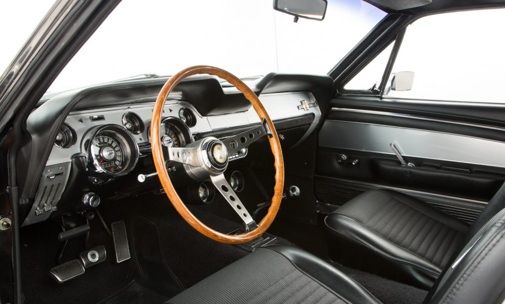 Shelby Mustang GT500 For Sale - Interior 2