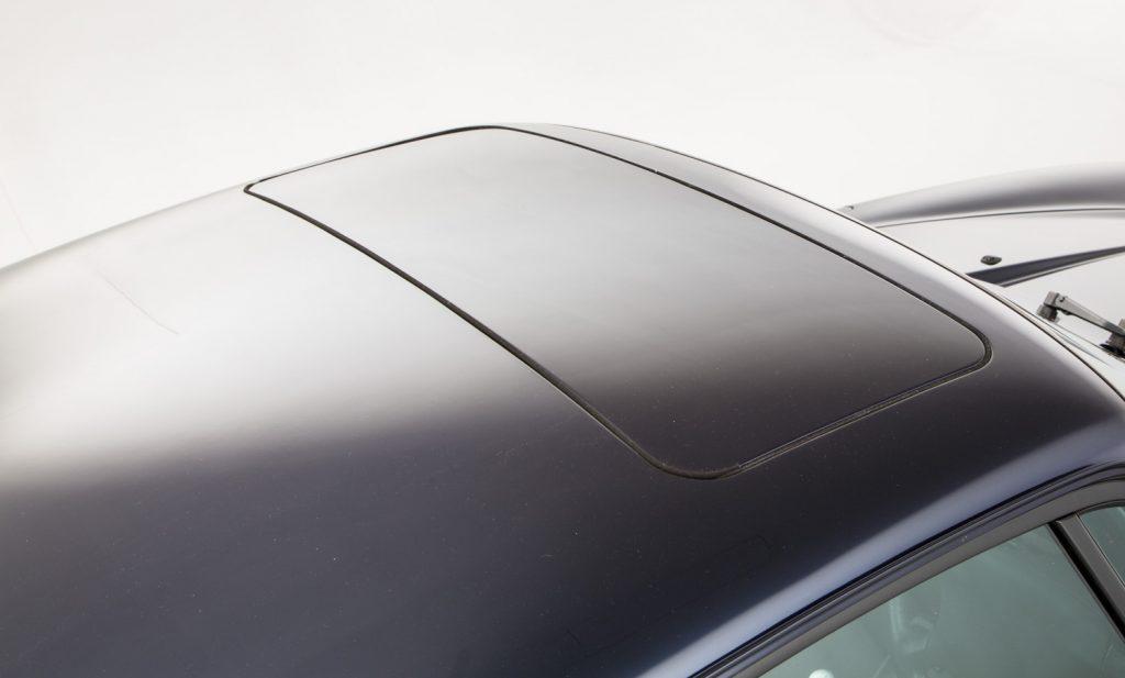 Porsche 993 Carrera 4 For Sale - Exterior 10