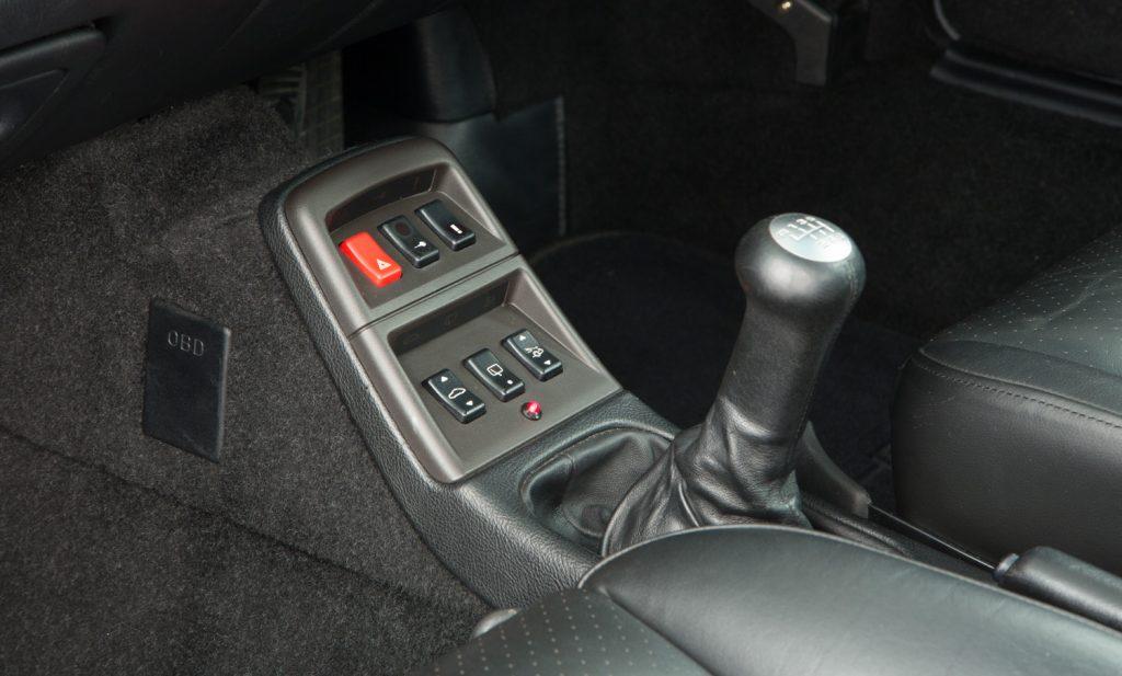 Porsche 993 Carrera 4 For Sale - Interior 5