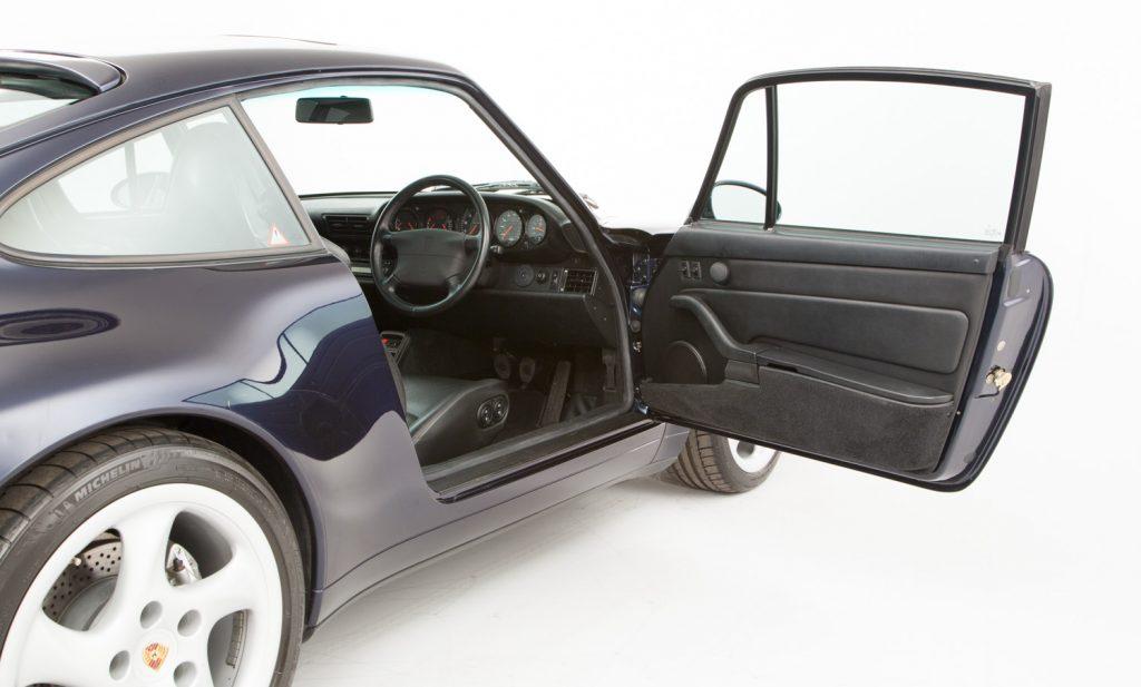 Porsche 993 Carrera 4 For Sale - Interior 1