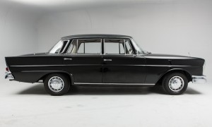 Mercedes 220 Fintail