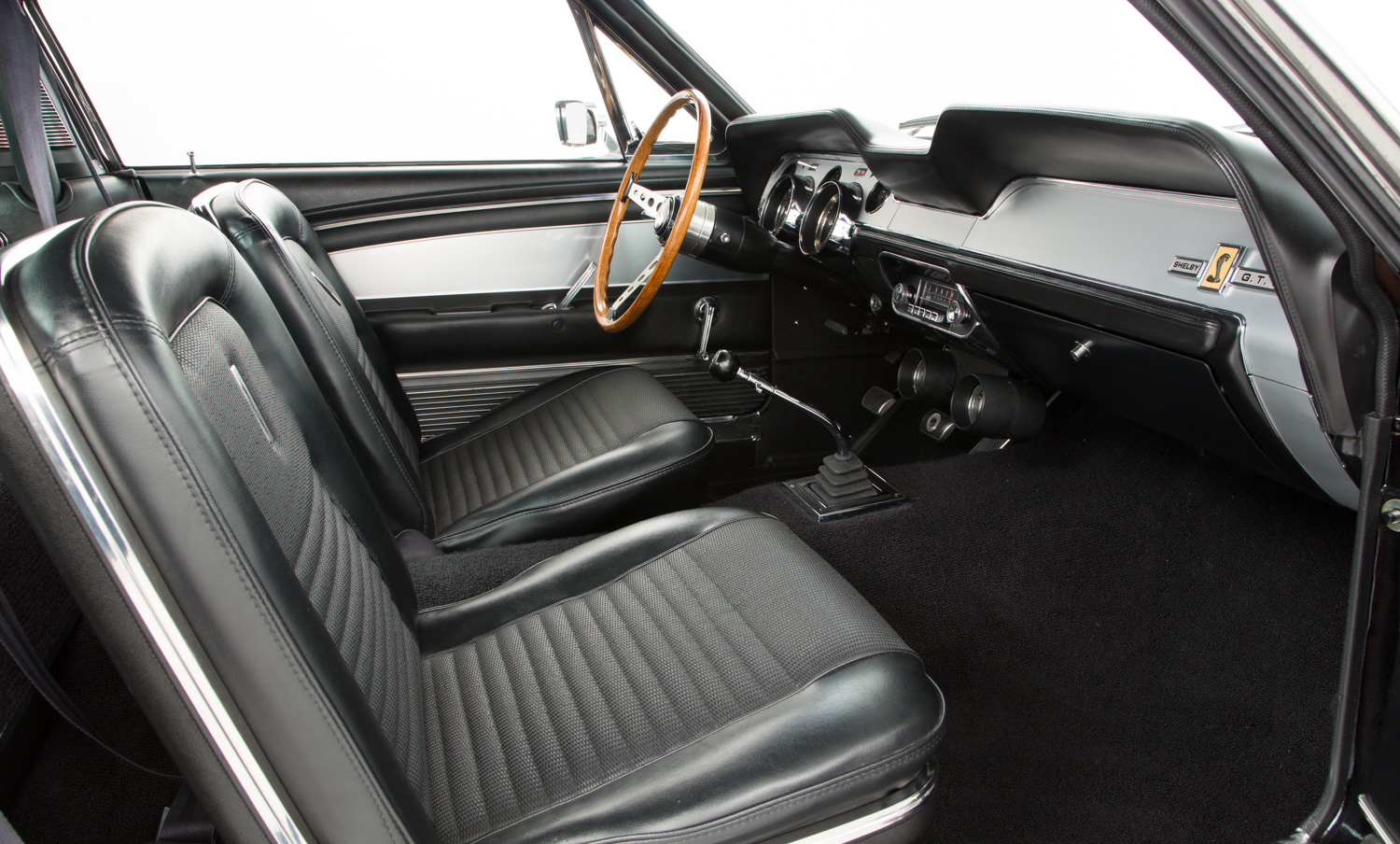Shelby mustang gt500 for sale interior 4